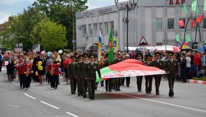 День независимости: в Глубоком состоялось театрализованное шествие «Беларусь – единственная Родина» (ФОТОРЕПОРТАЖ)