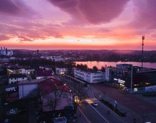 Эксклюзивные фото: фиолетовое утро в Глубоком