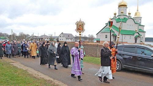 Крестным ход в честь Архистратига Божия Михаила