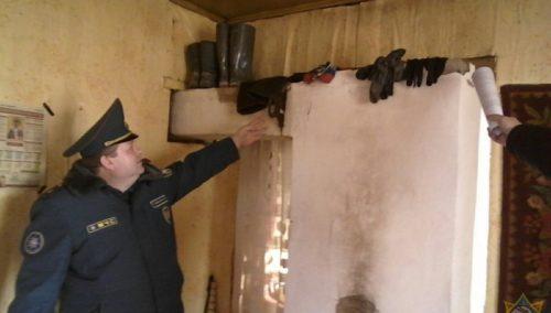 Спасатели посетили домовладения Глубокского района