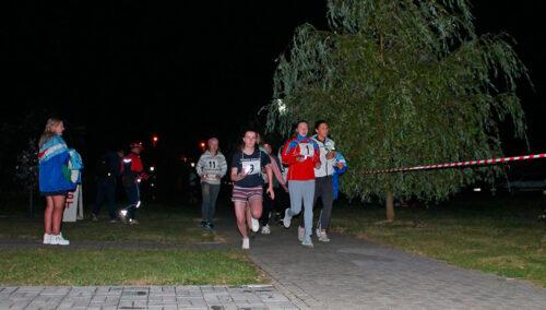 На набережной озера Кагальное прошёл ночной забег «Мы за ЗОЖ!»