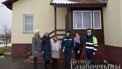 Представители силовых структур Глубоччины поздравили воспитанников дома семейного типа с 23 февраля