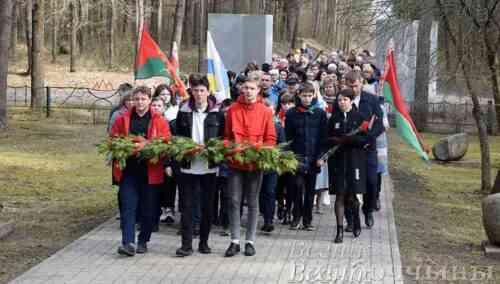 Глубочане почтили память погибших узников фашистских концлагерей